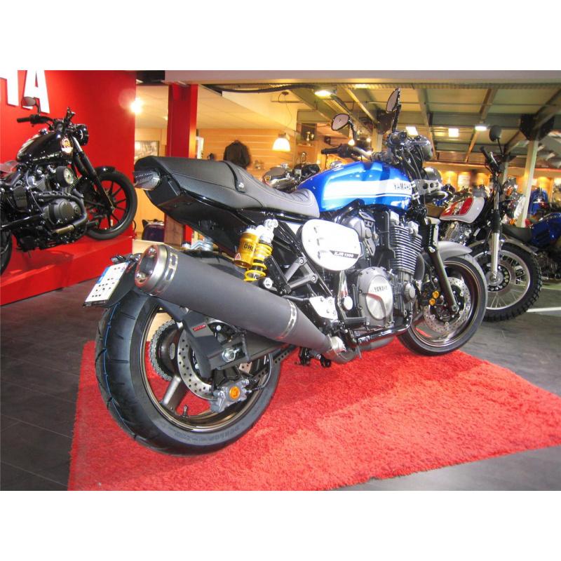 """Support de plaque ACCESS DESIGN déporté """"ras de roue"""" noir Yamaha XJR1300"""
