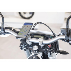 Pack complet SP-CONNECT Moto Bundle fixé sur guidon iPhone 8+/7+/6S+/6+